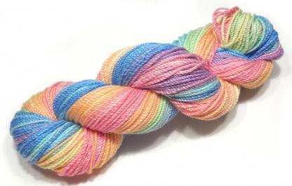 Handspun yarn - Pale Rainbow2 - DSCN3596-1-c