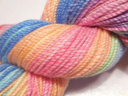 Handspun yarn - Pale Rainbow3 - DSCN3603-1-c