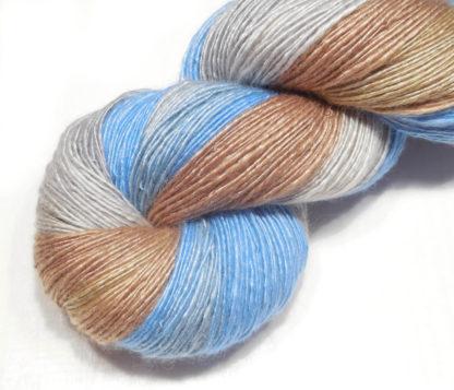Handspun yarn - Sand, silver and sky - DSCN3896-1-c