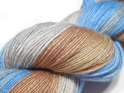 Handspun yarn - Sand, silver and sky3 - DSCN3899-1-c